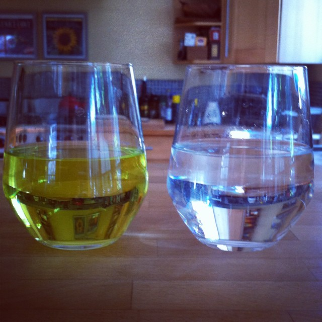 Chlorine test. Lefthand glass is before @LifeSourceWater. Yuck. #wholehouseh20